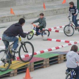 Circuït d'habilitat en bicicleta (7 a 12 anys)