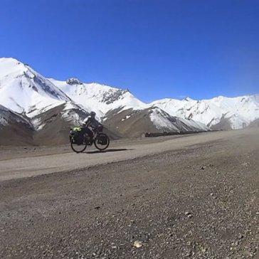 """Projecció del documental """"14.000 km, El camino de Anantapur"""""""