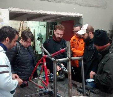 El curs d'auxiliar en manteniment i reparació de bicicletes ha finalitzat amb un 77% d'insercions laborals